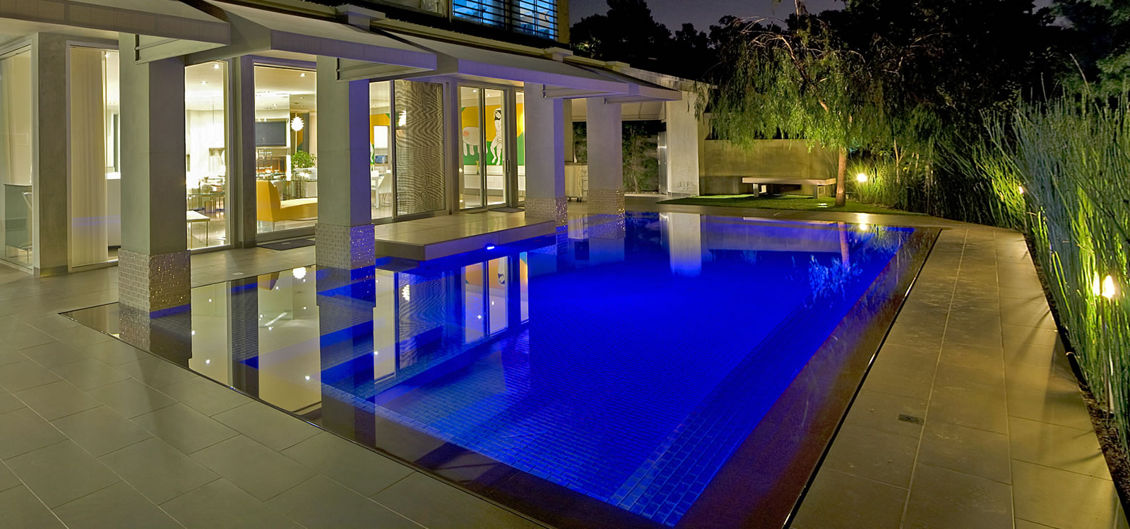 Southern California Award Winning Custom Pool Designer.