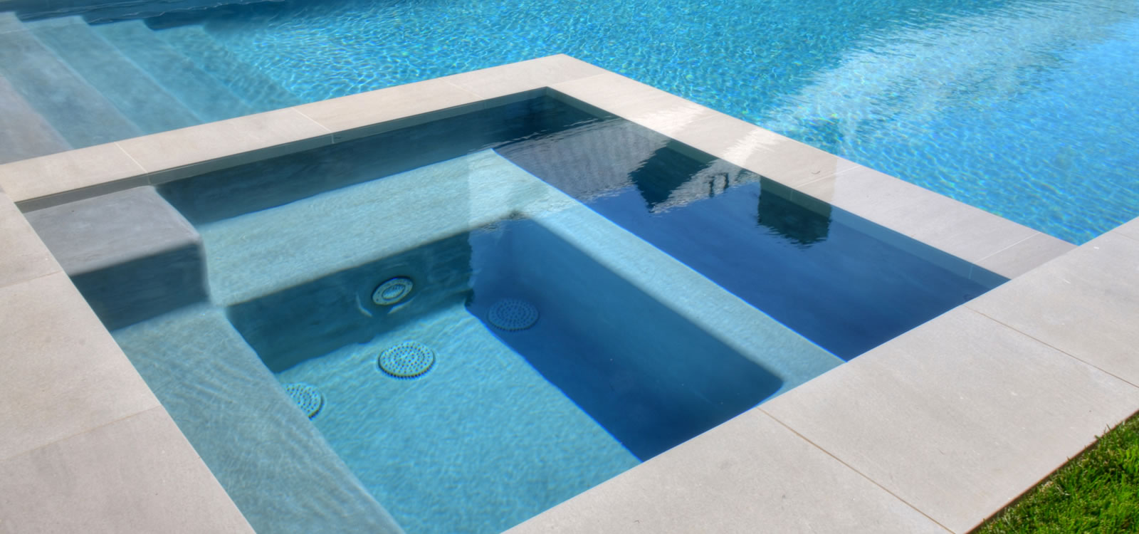 Santa Monica Pool & Spa Design w/ Pool Cover by John Crystal Pools ...